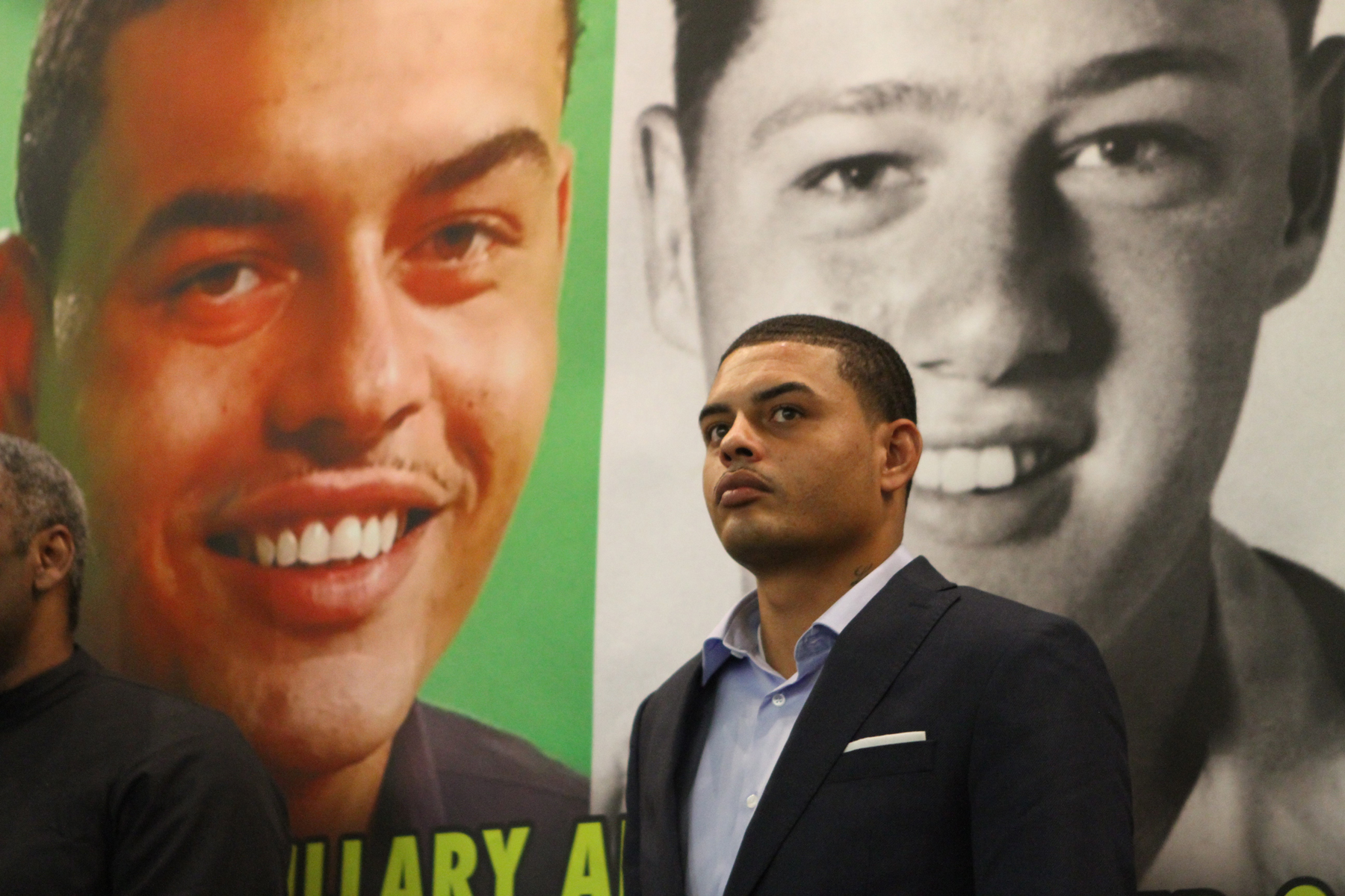WASHINGTON, UNITED STATES - NOVEMBER 01: Danney Williams, who claims that former President Bill Clinton is his biological father, holds a news conference to call for Clinton to submit to a DNA test at the National Press Club in Washington, D.C., USA on November 01, 2016. (Photo by Michael Hernandez/Anadolu Agency/Getty Images)