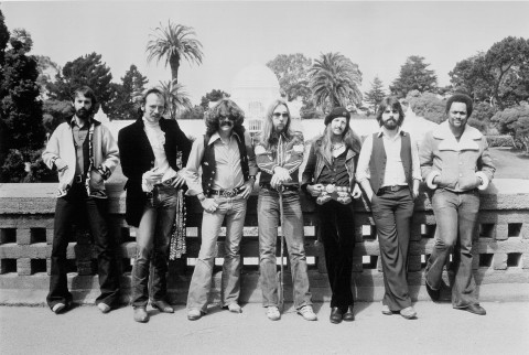 """1976:  (L-R) Keith Knudsen, John Hartman, Tom Johnston, Jeff """"Skunk"""" Baxter, Patrick Simmons, Michael McDonald and Tiran Porter of the rock and roll band """"The Doobie Brothers"""" pose for a portrait in circa 1976. (Photo by Michael Ochs Archives/Getty Images)"""