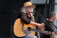Arlo Guthrie Retires From Touring: 'It's Time to Hang Up the Gone Fishing Sign'