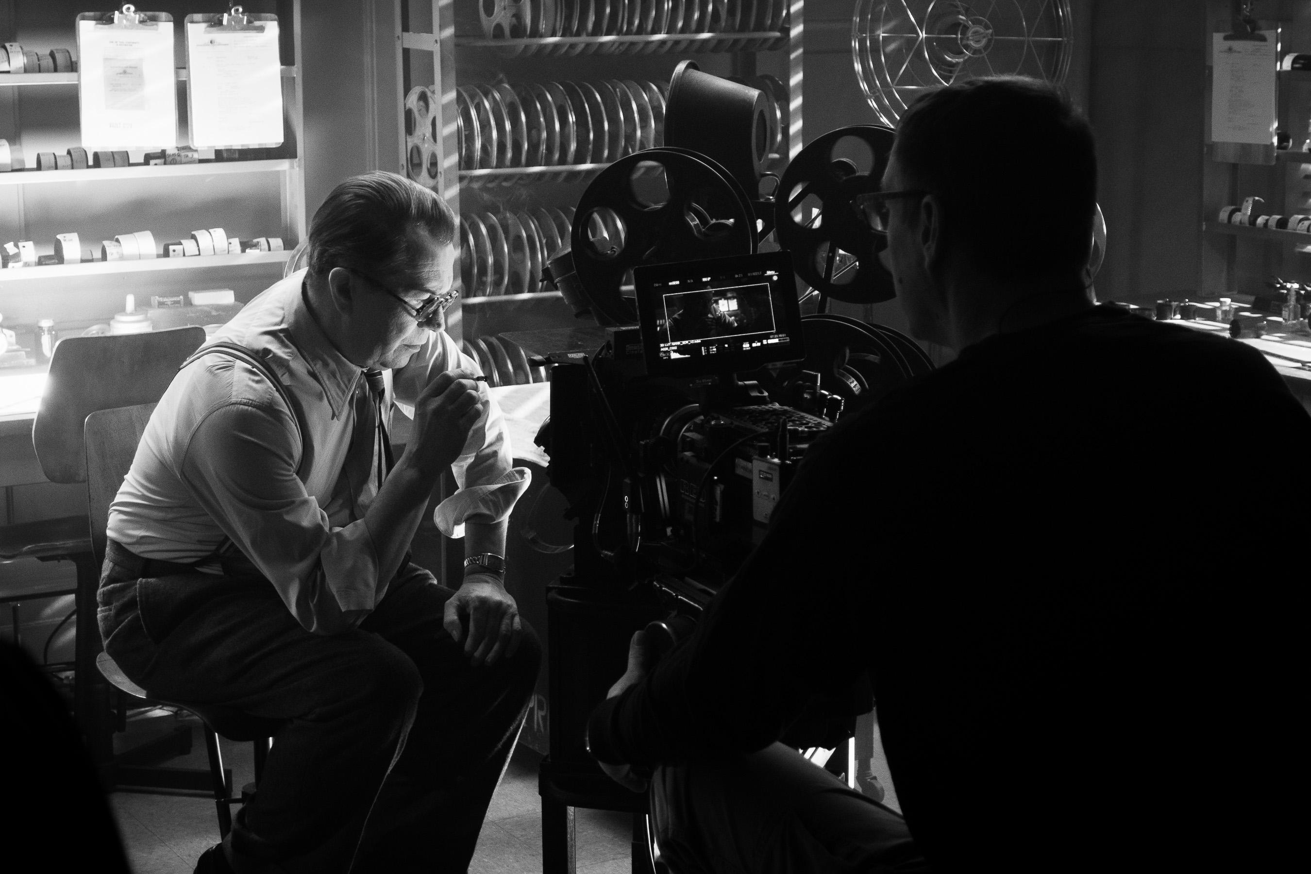 Gary Oldman Stars as 'Citizen Kane' Screenwriter in 'Mank' Trailer