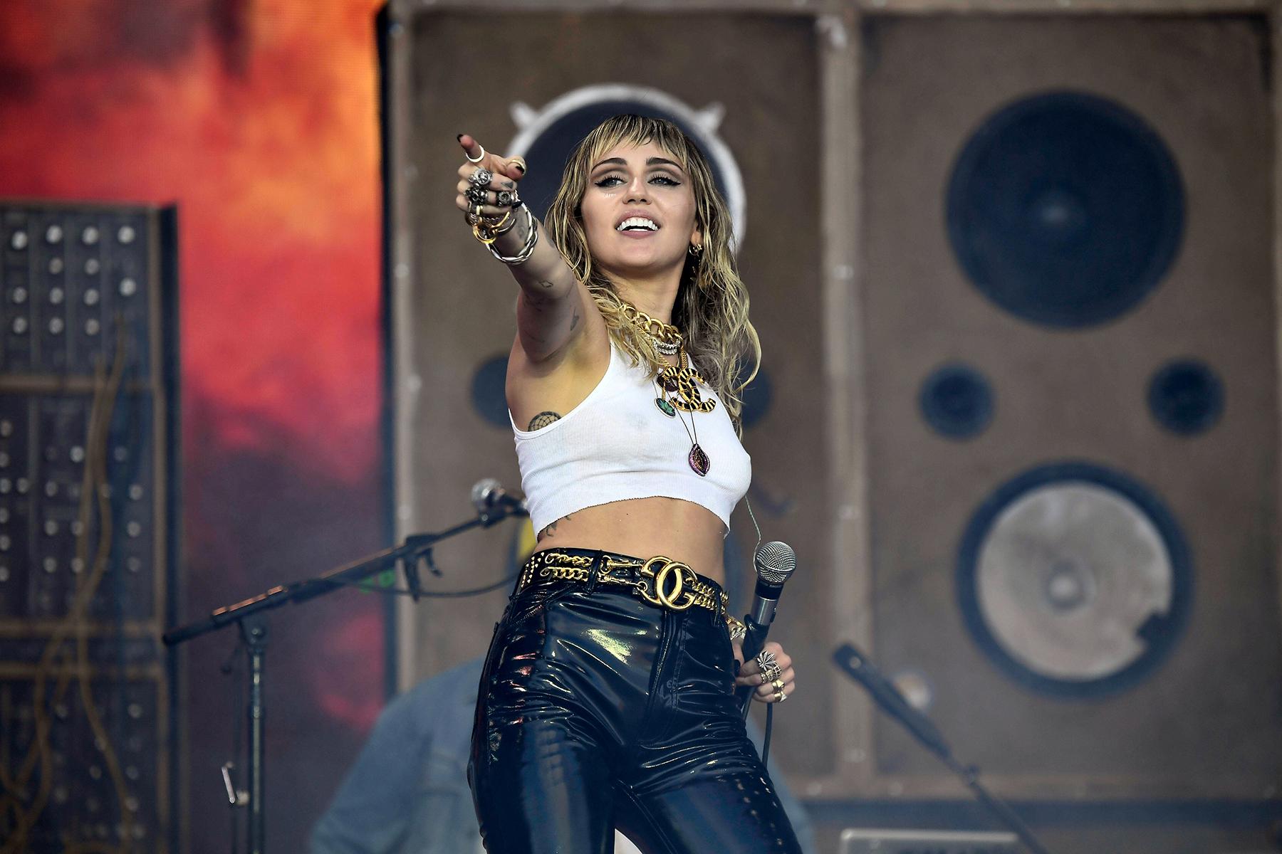 Miley Cyrus Announces Seventh Album 'Plastic Hearts' - Rolling Stone