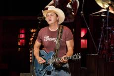 Jon Pardi Nurses a Broken Heart in New Song 'Bar Downtown'