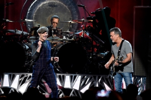 Flashback: Van Halen Play 'Panama' at the 2015 Billboard Music Awards