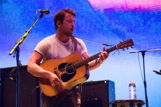 Fleet Foxes' Robin Pecknold Plots Solo Acoustic Livestream