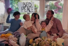 Alanis Morissette Covers John Lennon, Yoko Ono's 'Happy Xmas (War Is Over)' in Bed-In Video