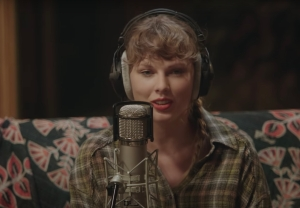 Taylor Swift Debuts 'Folklore: The Long Pond Studio Sessions' Film