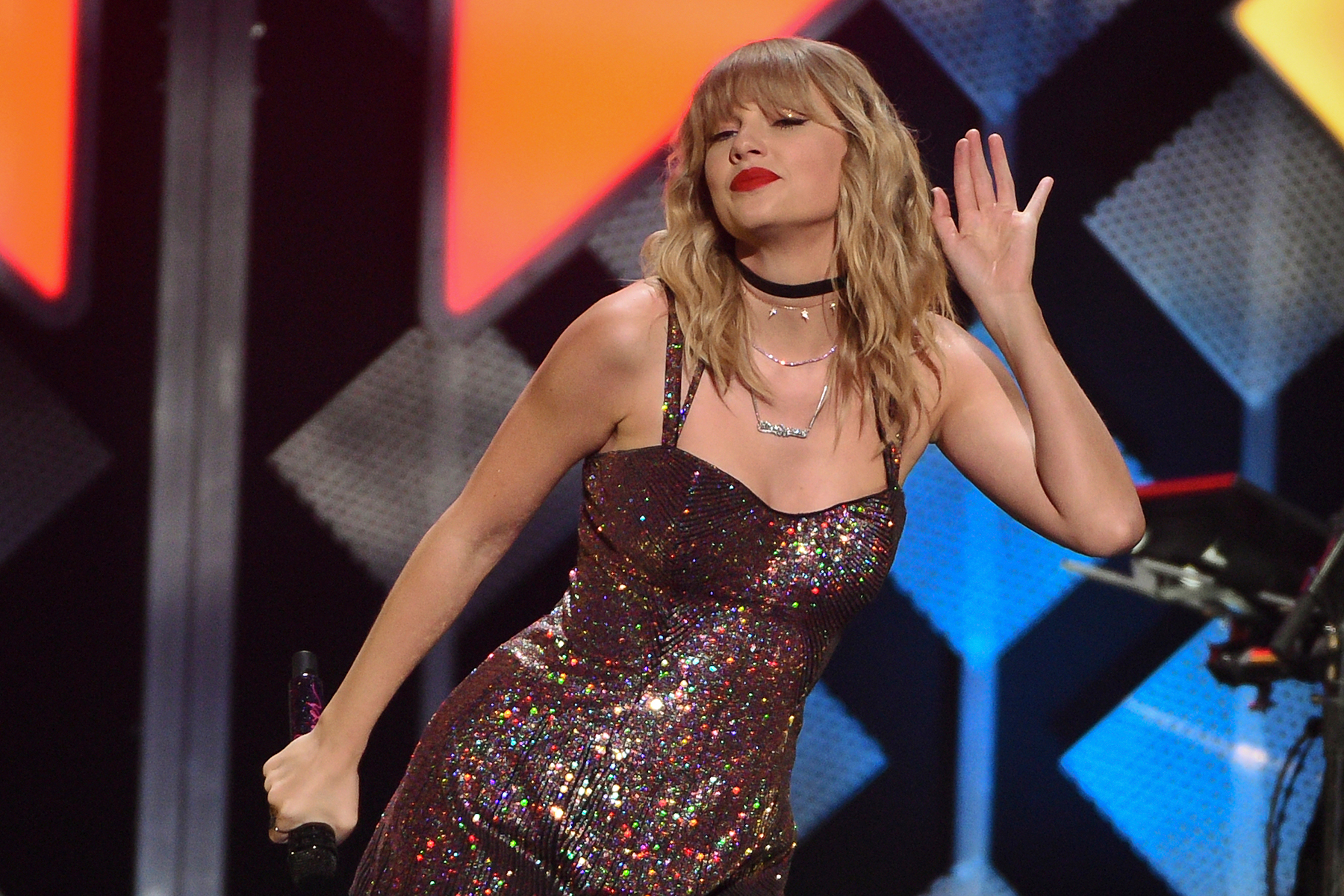 Taylor Swift Encourages Fans To Get Out The Vote Before Election Day Rolling Stone