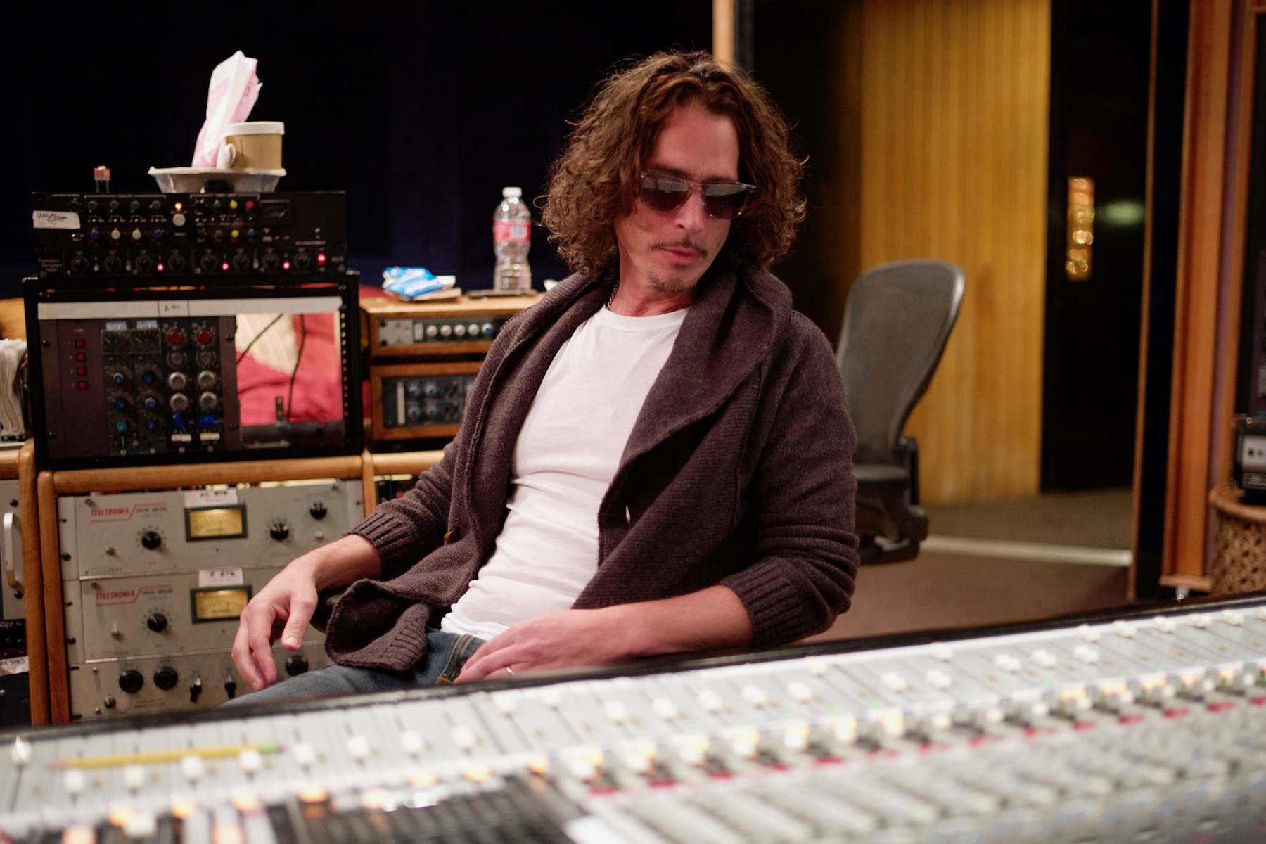 Chris Cornell's New Album, 'No One Sings Like You Anymore': Review -  Rolling Stone