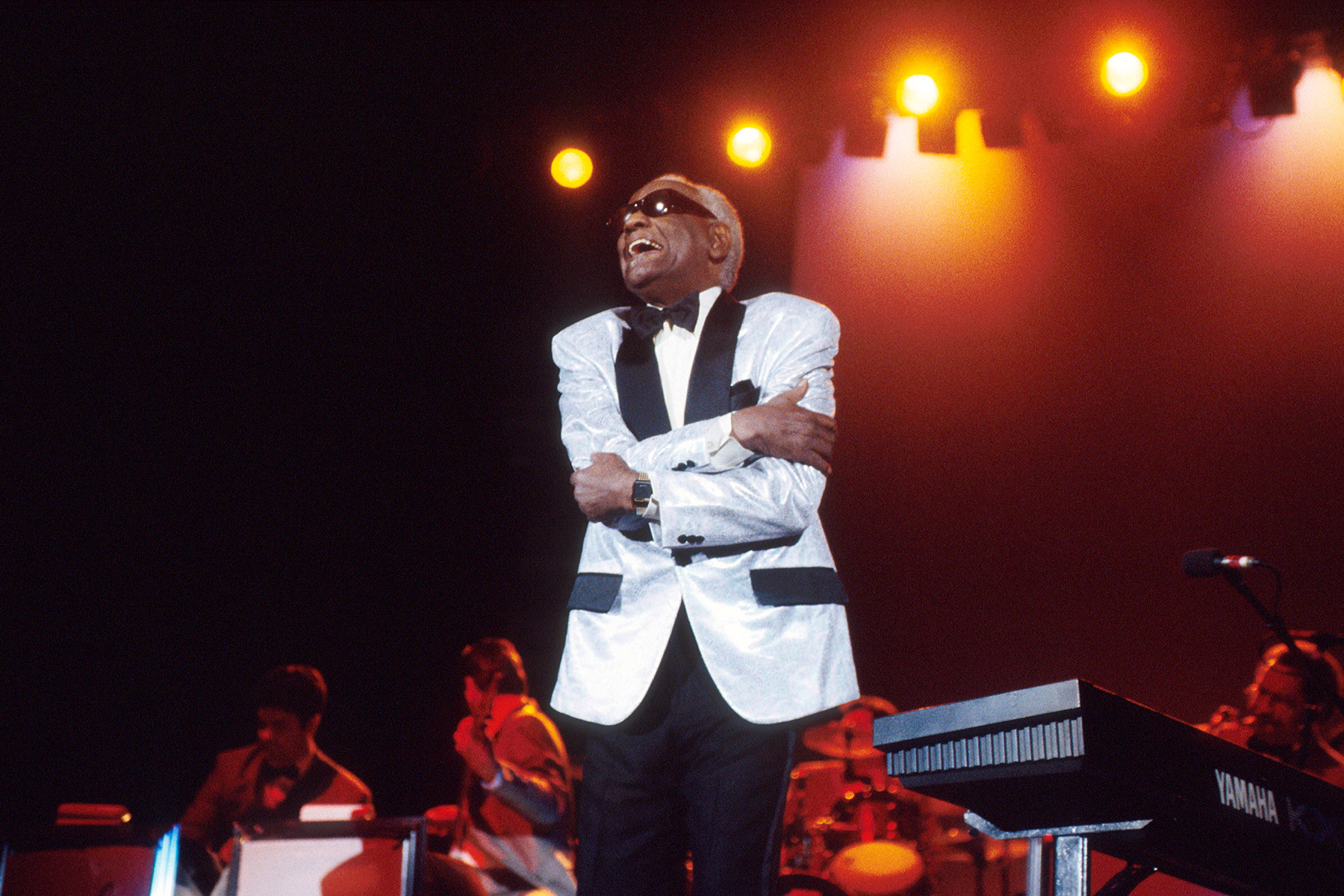 Ray Charles performs on stage, London, 1996. (Photo by Michael Putland/Getty Images)
