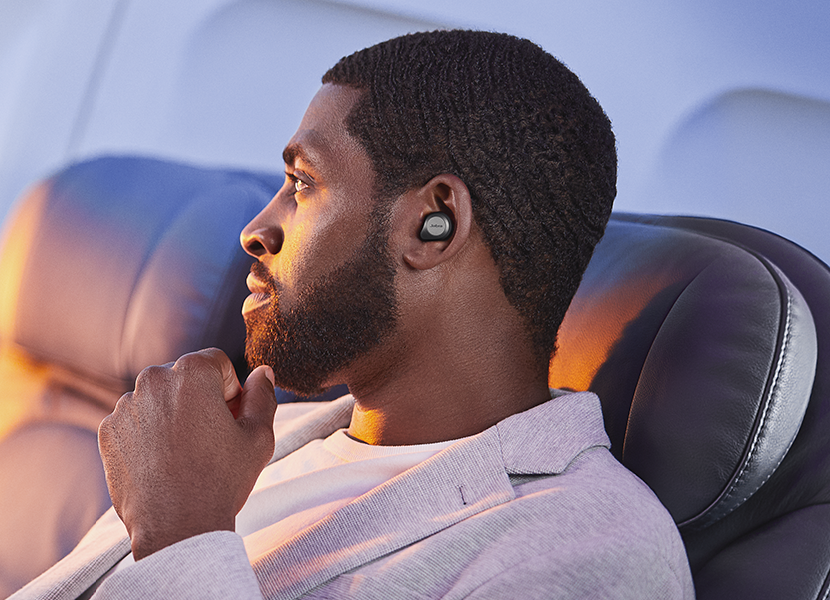 travel earbuds noise cancelling