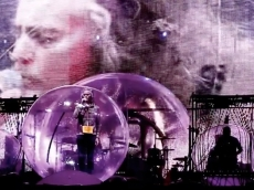 See Flaming Lips Stage 'Space Bubble' Concert in Oklahoma City