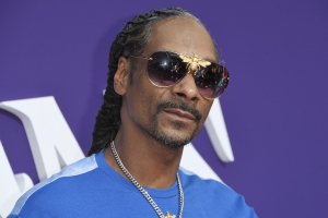 Snoop Dogg Thanks Trump for Pardoning Death Row Records Co-Founder Michael 'Harry O' Harris