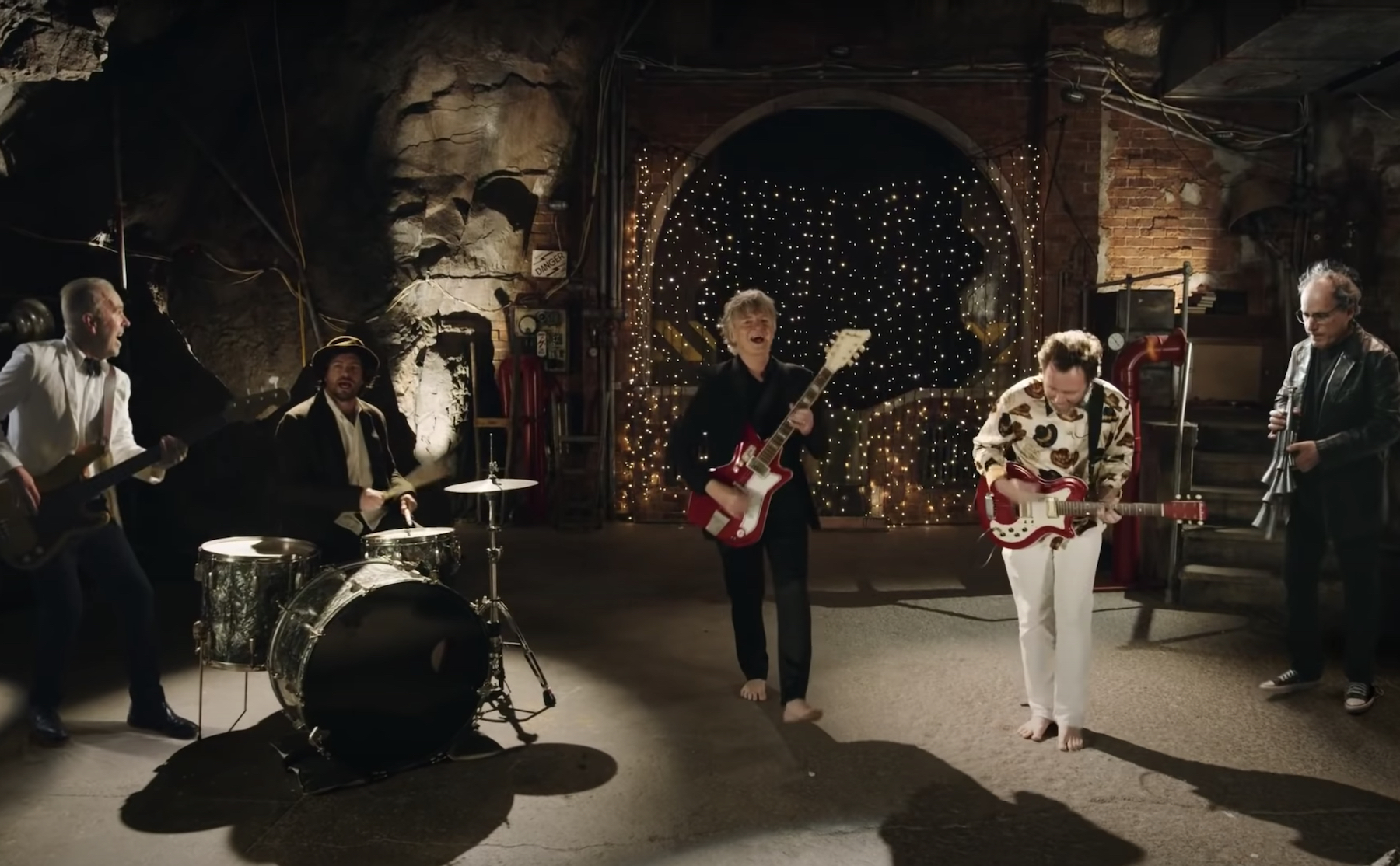 Crowded House Preview First New Album Since 2010 With 'To the Island' - Rolling Stone