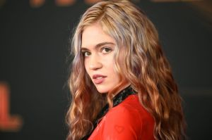 Grimes Auctioning Off 10 Pieces of NFT Digital Artwork