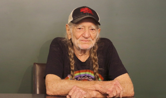 Willie Nelson to Write 'Letters to America' in New Book.jpg