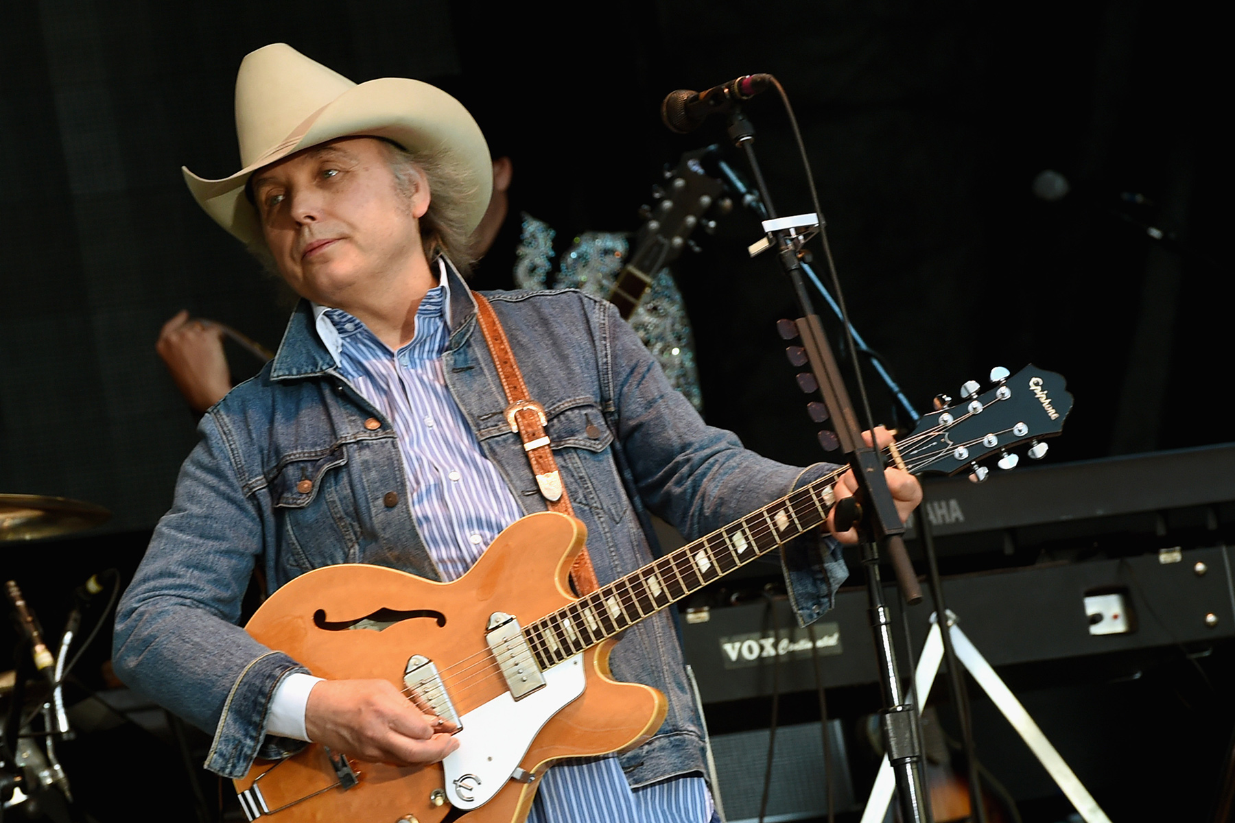 Here's Why Dwight Yoakam Is Suing His Old Record Label - Rolling Stone