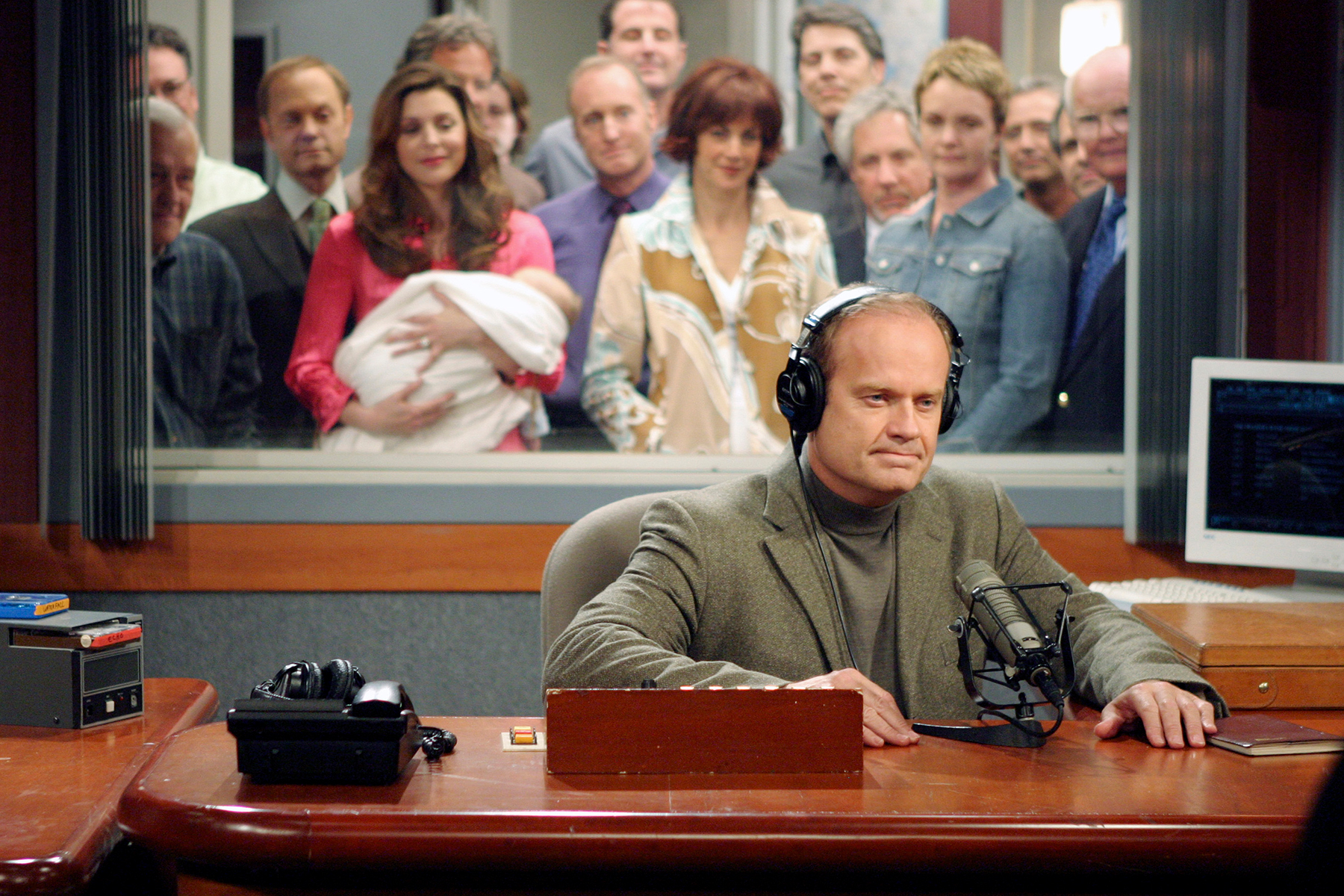 Flashback: Frasier Says 'Goodnight, Seattle' in Series Finale