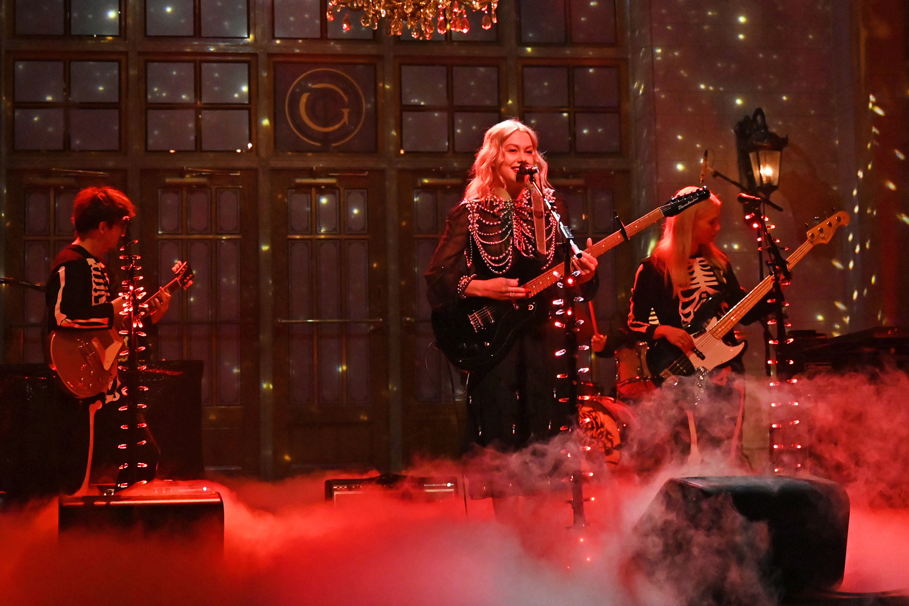 Phoebe Bridgers on 'SNL': Yes, It's OK for Women to Smash Guitars - Rolling Stone