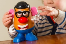 Mr. Potato Head Is Now Gender Neutral and Right-Wing Trolls Are Losing It