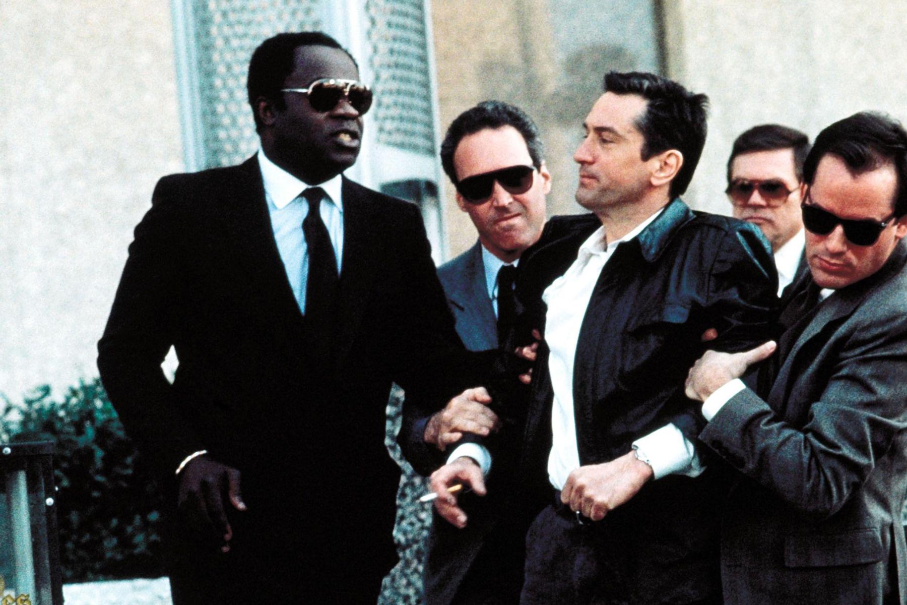 P1A703 Original Film Title: MIDNIGHT RUN. English Title: MIDNIGHT RUN. Film Director: MARTIN BREST. Year: 1988. Stars: ROBERT DE NIRO. Credit: UNIVERSAL PICTURES / Album