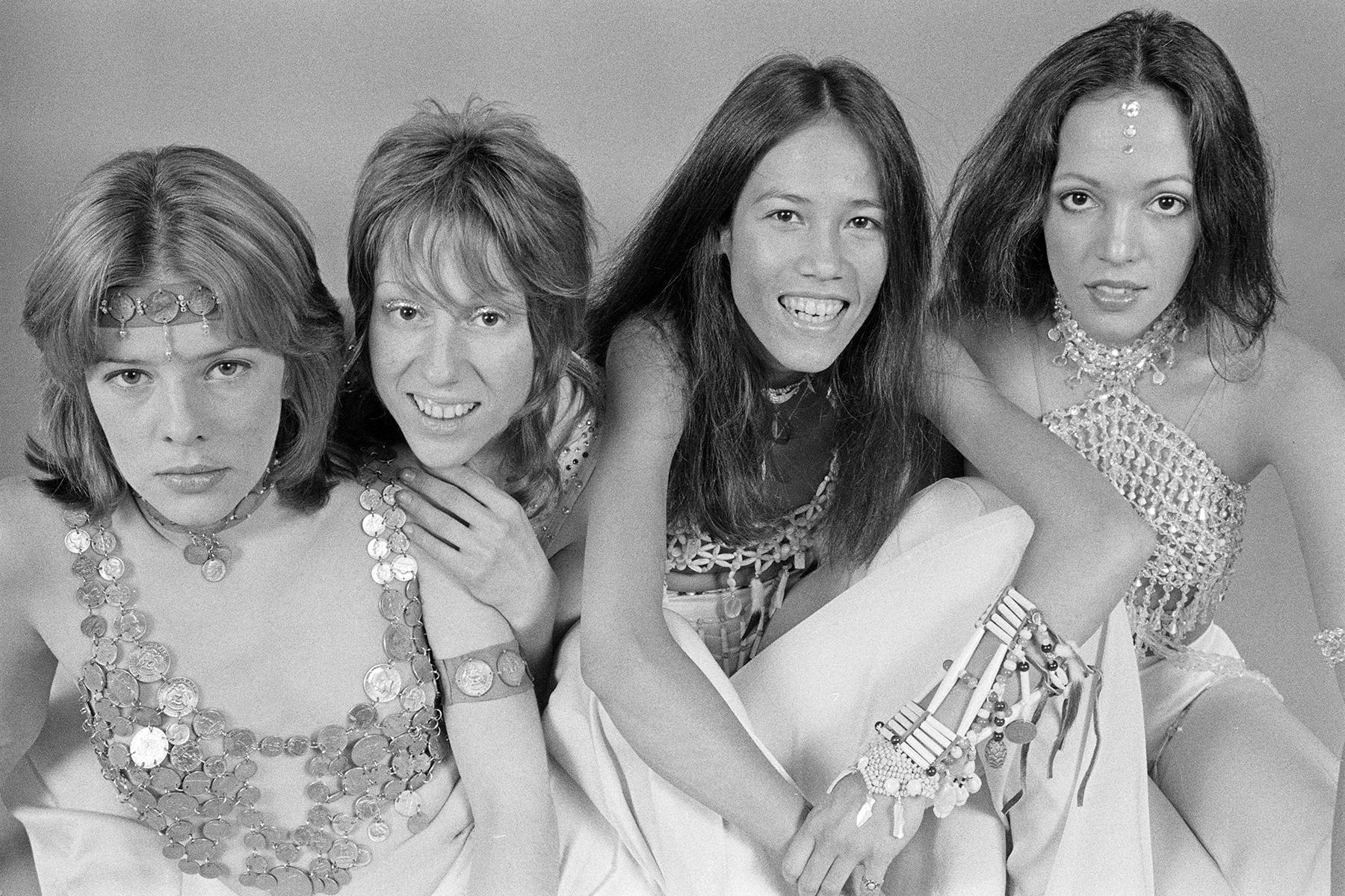 Joe Elliot, Bonnie Raitt, Cherie Currie Talk Fanny's Influence in New Doc