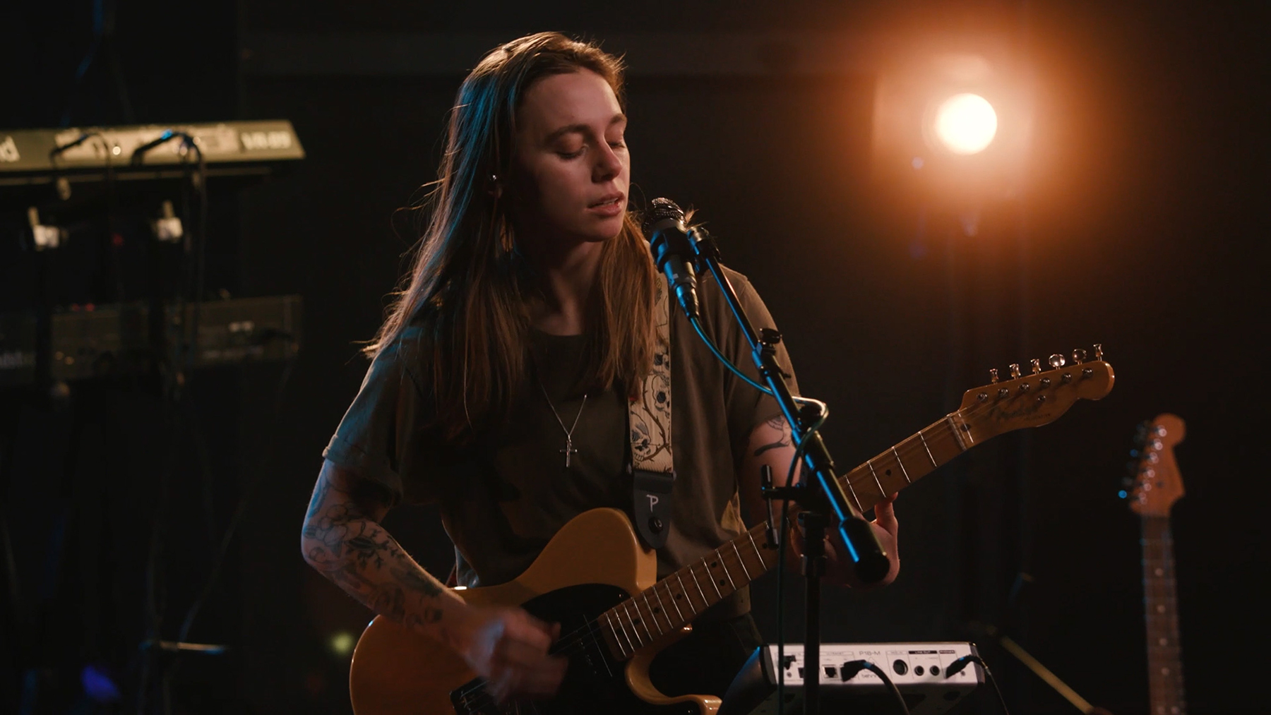 Julien Baker Performs 'Hardline' on 'Late Night With Seth Meyers'
