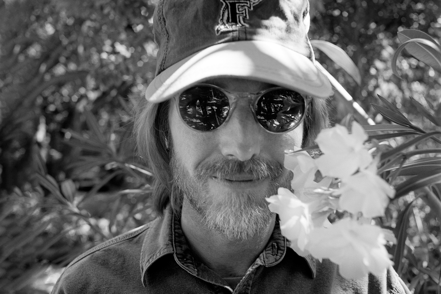 """Watch a Scenic New Video for Tom Petty's 'Wildflowers' Rarity 'You Saw Me Comin"""""""