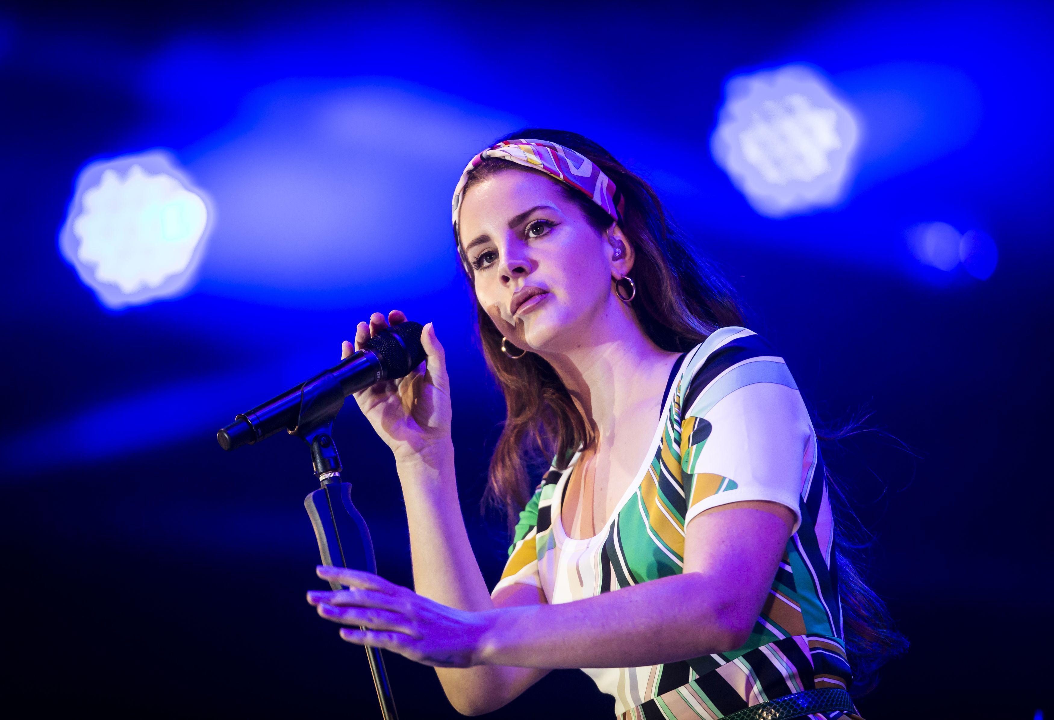 Lana Del Rey Announces New Album 'Blue Banisters' – Rolling Stone