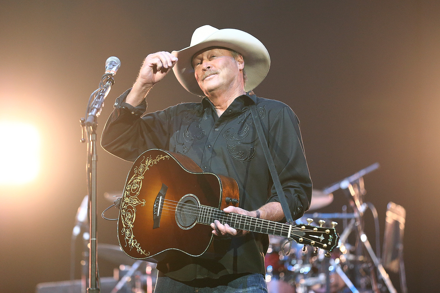ANAHEIM, CA - APRIL 16:  Alan Jackson performs at Honda Center on April 16, 2016 in Anaheim, California.  (Photo by Phillip Faraone/Getty Images)