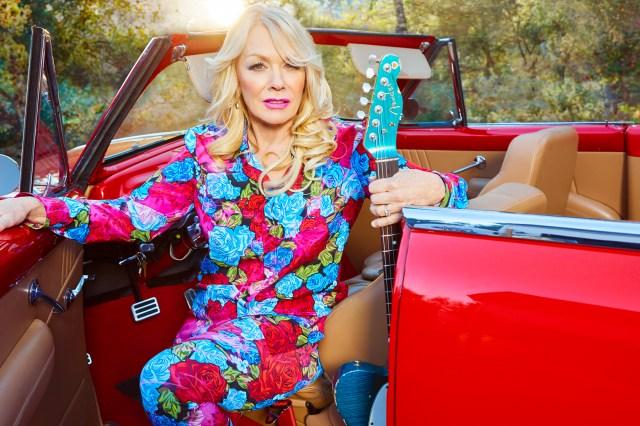 Hear Nancy Wilson Team Up With Duff McKagan, Taylor Hawkins on New Album.jpg