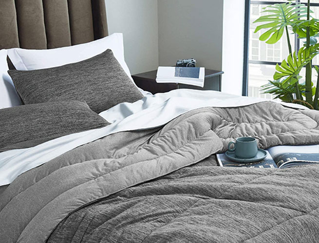 bedsure all season reversible warm and rolling comforter down alternative set