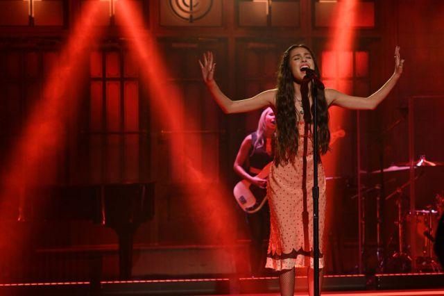 See Olivia Rodrigo Perform 'Drivers License,' 'Good 4 U' on 'SNL'.jpg