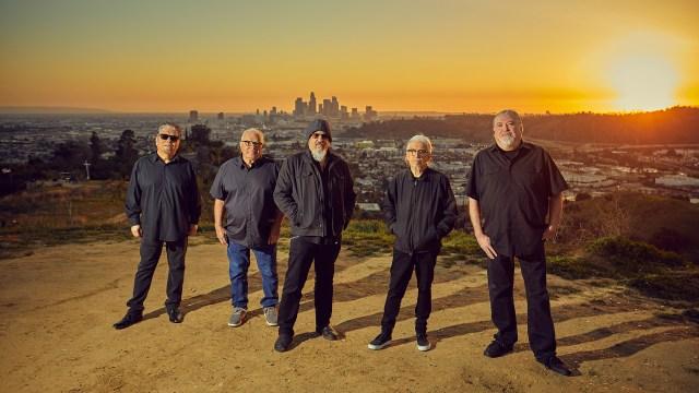 Hear Los Lobos Cover Beach Boys' 'Sail on, Sailor'.jpg