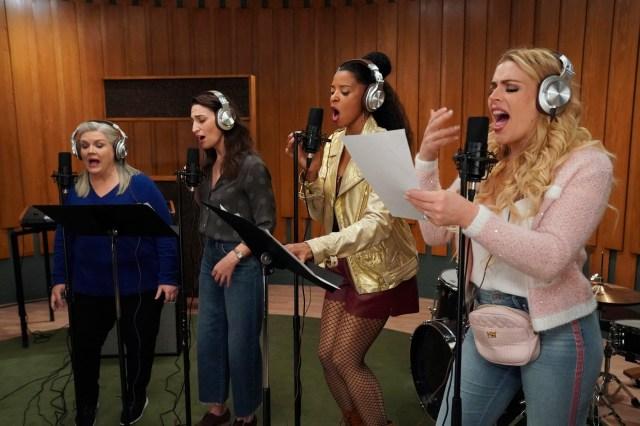 'Girls5Eva': A Pop Group Gets a Do-Over.jpg