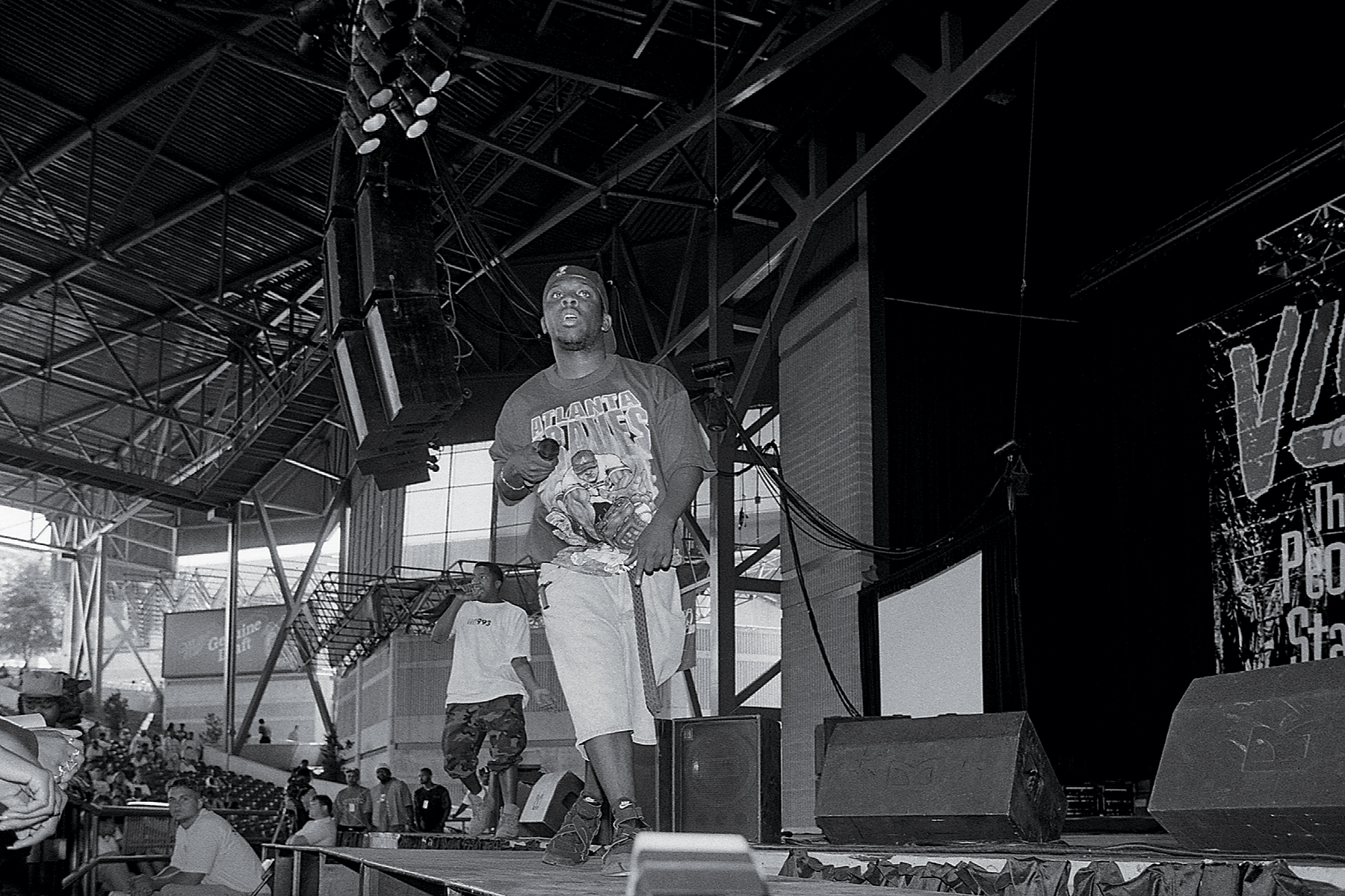 MILWAUKEE - JUNE 1994: Rappers Q-Tip and Phife Dawg of A Tribe Called Quest performs during 'Jam 4 Peace' at the Marcus Amphitheatre in Milwaukee, Wisconsin in June 1994. (Photo By Raymond Boyd/Getty Images)