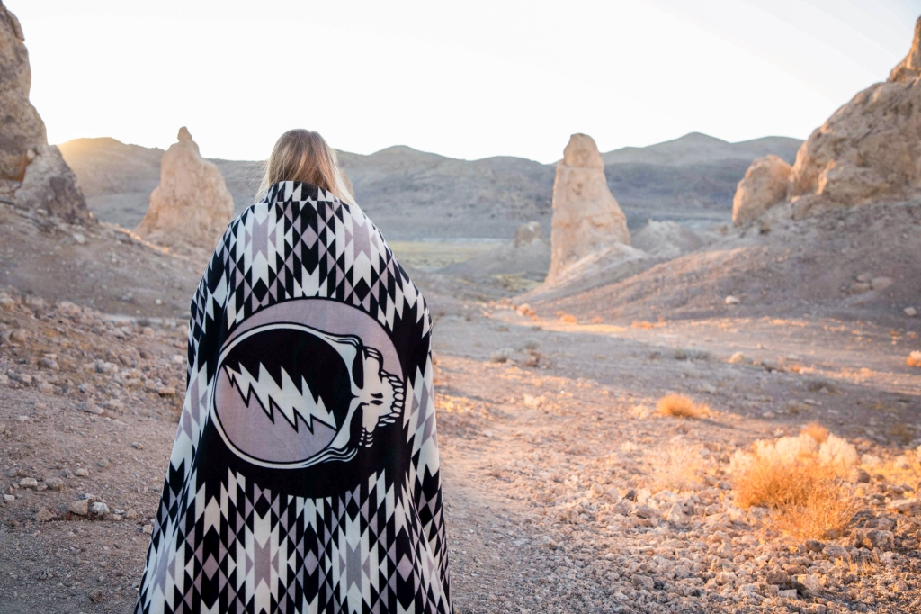Touch-of-Grey-Camp-Blanket-Grateful-Dead