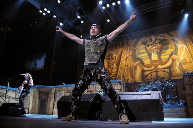 Flashback: Iron Maiden Play a Ferocious 'Fear of the Dark' in Argentina.jpg