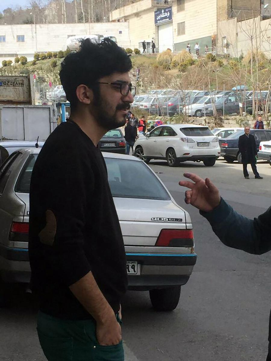 Mehdi Rajabian just before entering Evin Prison in Tehran.