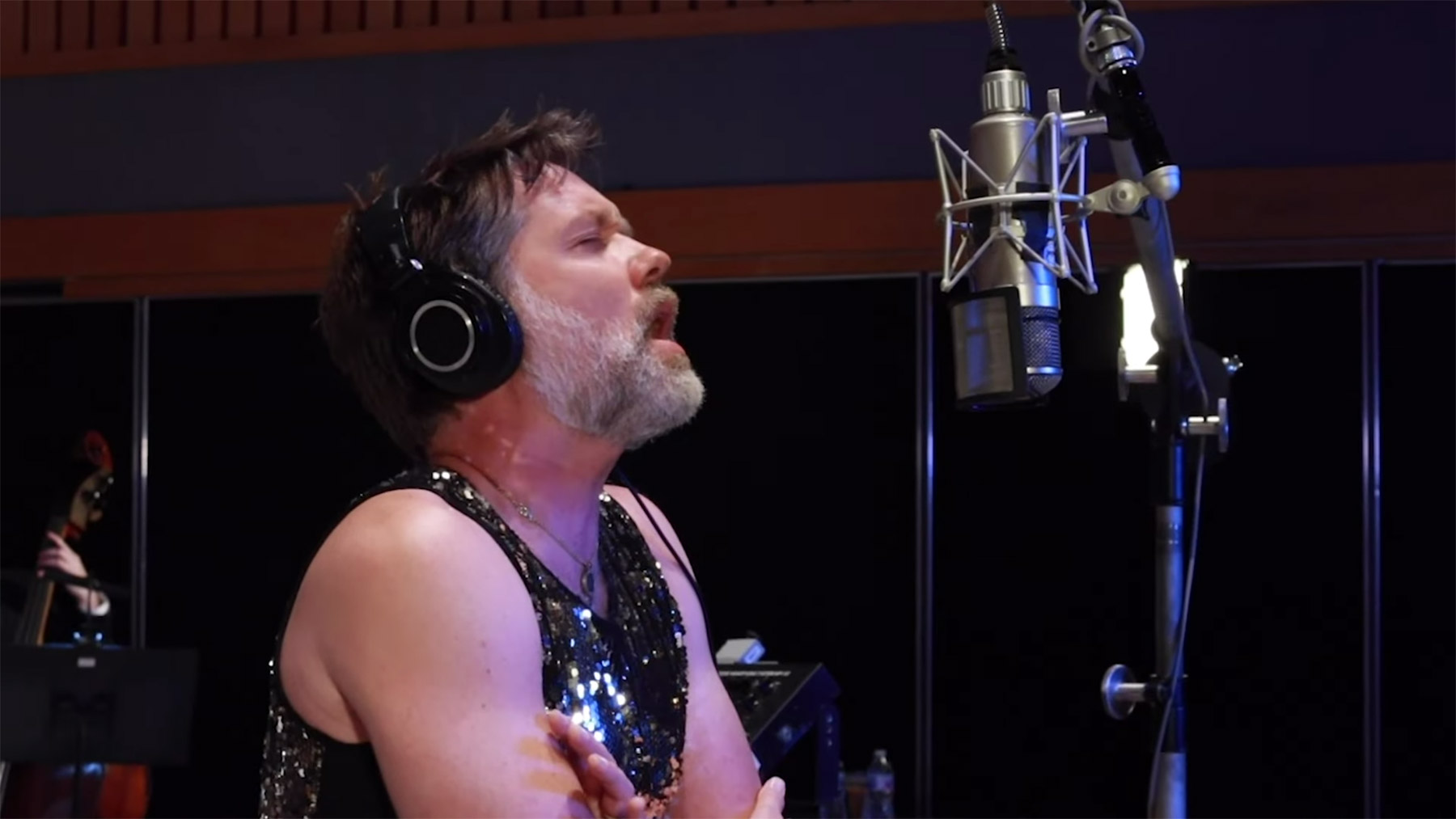 Rufus Wainwright Sings 'Over the Rainbow' for Upcoming Virtual Concert