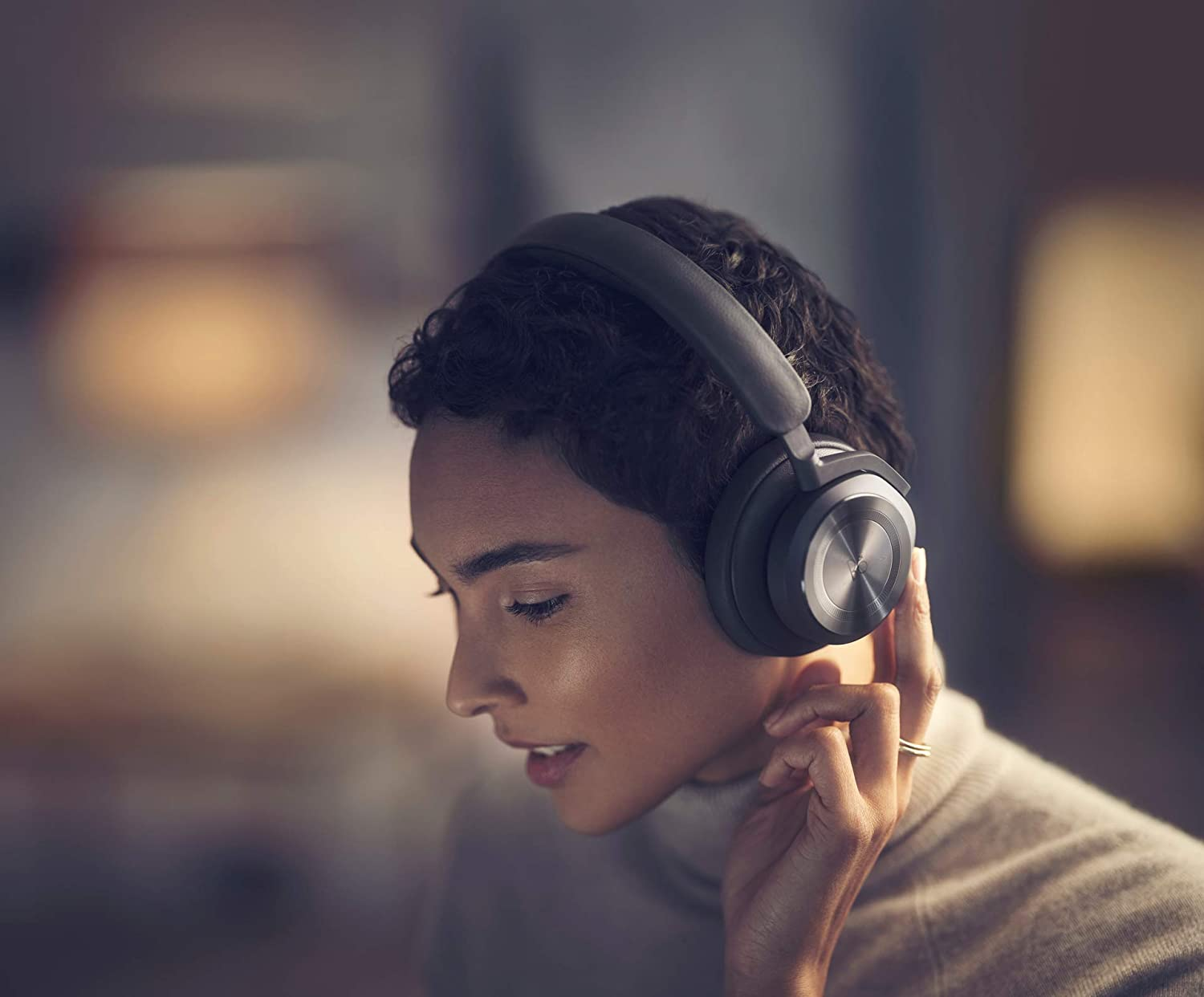 Bang and Olufsen Beoplay HX