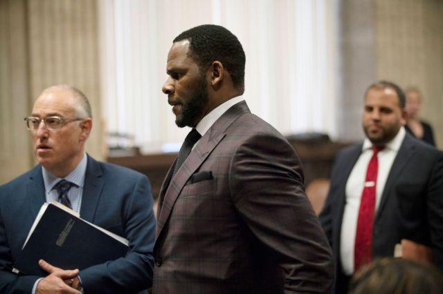 R. Kelly Reshuffles Legal Team, Dismisses Longtime Lawyer Ahead of Federal Trials.jpg