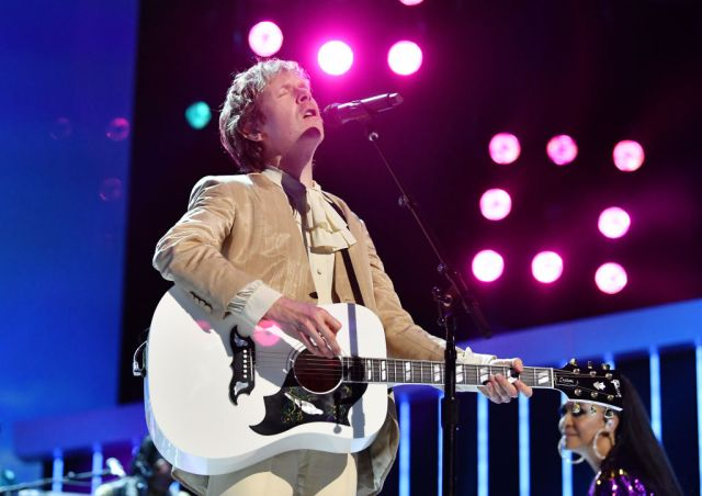 Beck Releases 'Chemical' Remix Ahead of 'Hyperspace' Record Store Day Reissue.jpg