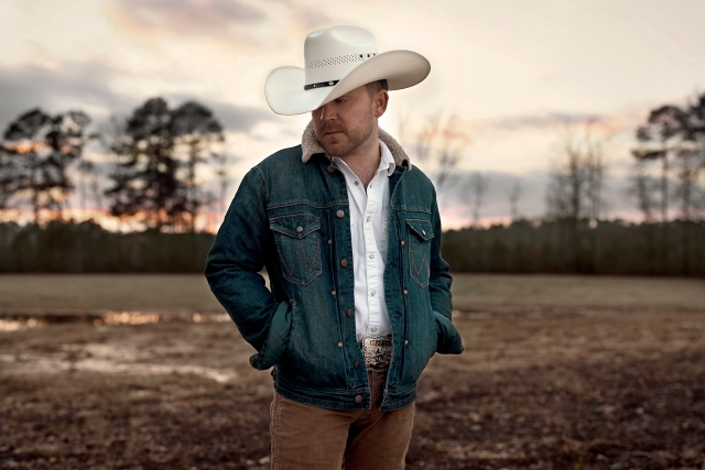 Justin Moore Is Country Music's Sleeper Hitmaker. He's Also the Genre's Biggest Fan.jpg