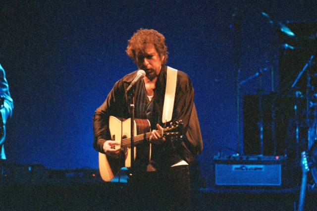 Flashback: Bob Dylan Plays a Tender 'One Too Many Mornings' at the Supper Club in 1993.jpg