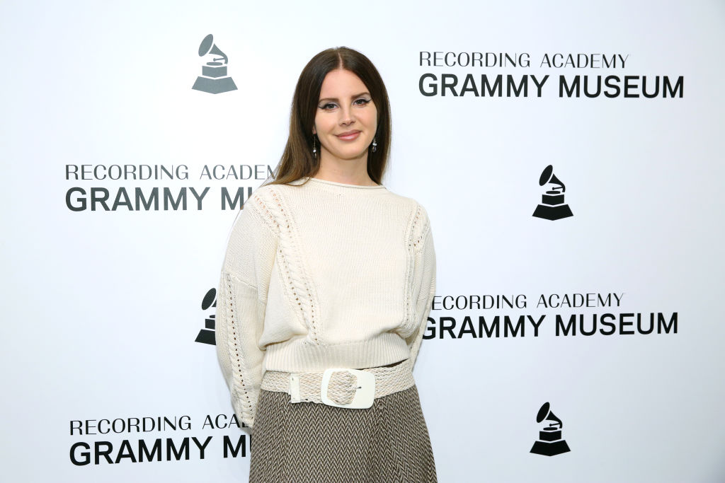 Lana Del Rey Delays 'Blue Banisters,' Teases New Song