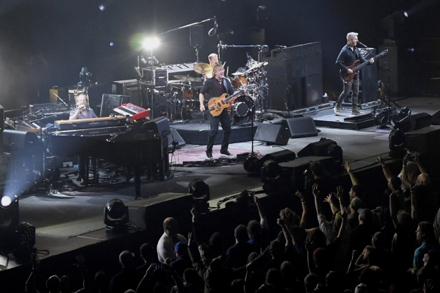 As Some Phish Fans Fret Over Impending Tour, Band Urges Them to Get Vaxxed, Wear Masks.jpg