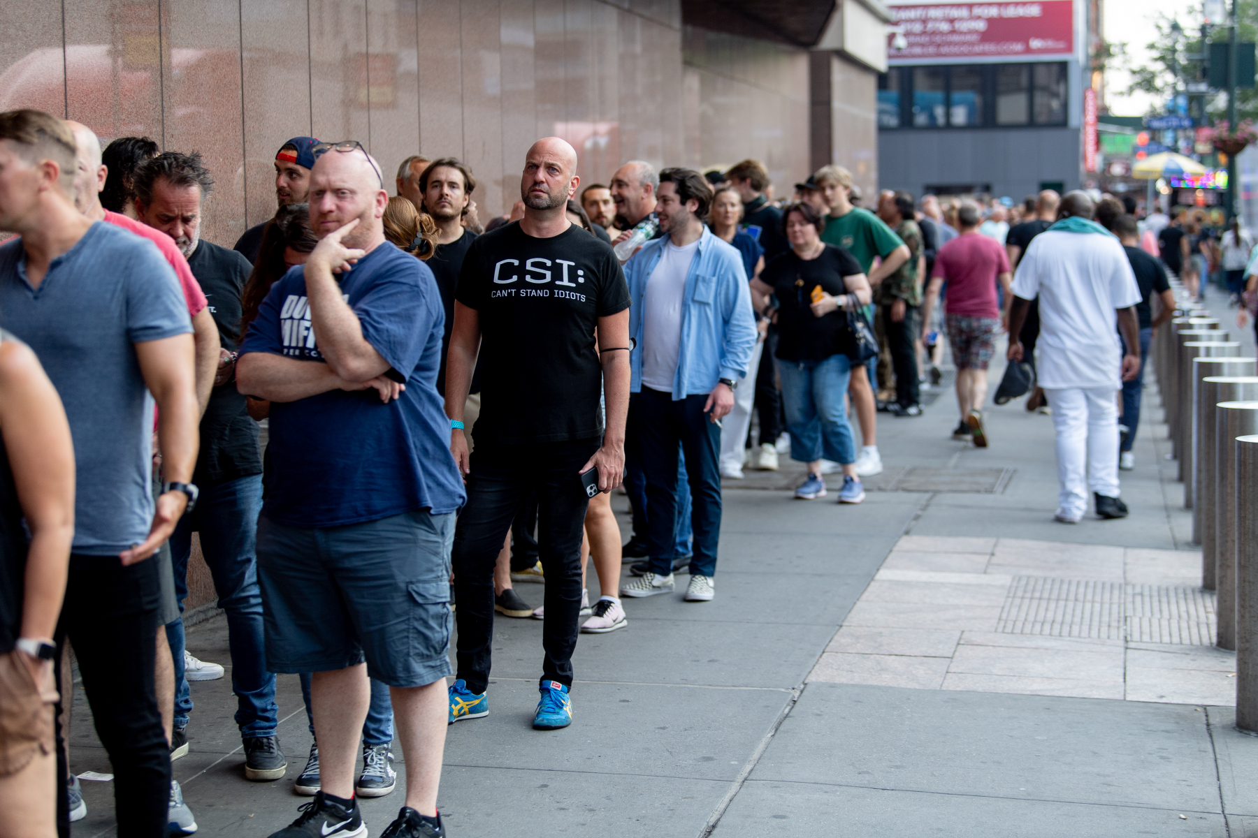 line outside foo fighters concert