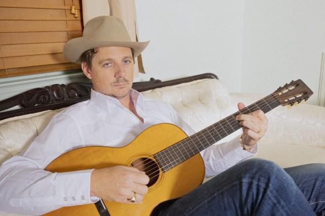 Sturgill Simpson Readies New Concept Album 'The Ballad of Dood and Juanita'.jpg