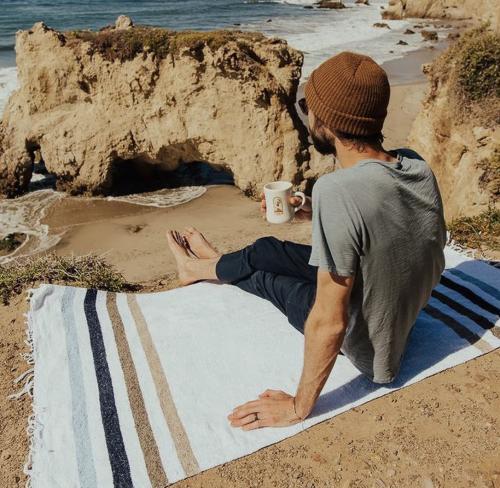 Sunbeam-Coastal-Throw-Beach-Blanket