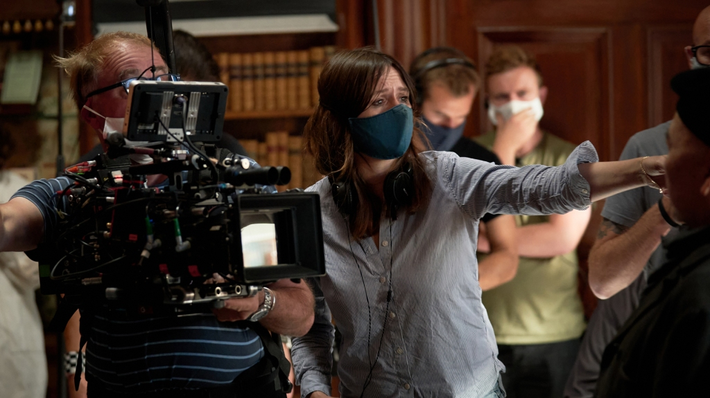 Picture Shows: Director Emily Mortimer on the set of The Pursuit of Love, photographer Robert Viglasky © Theodora Films Limited & Moonage Pictures Limited